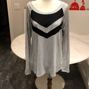Ella Moss rayon blend raglan mesh sleeve top. L